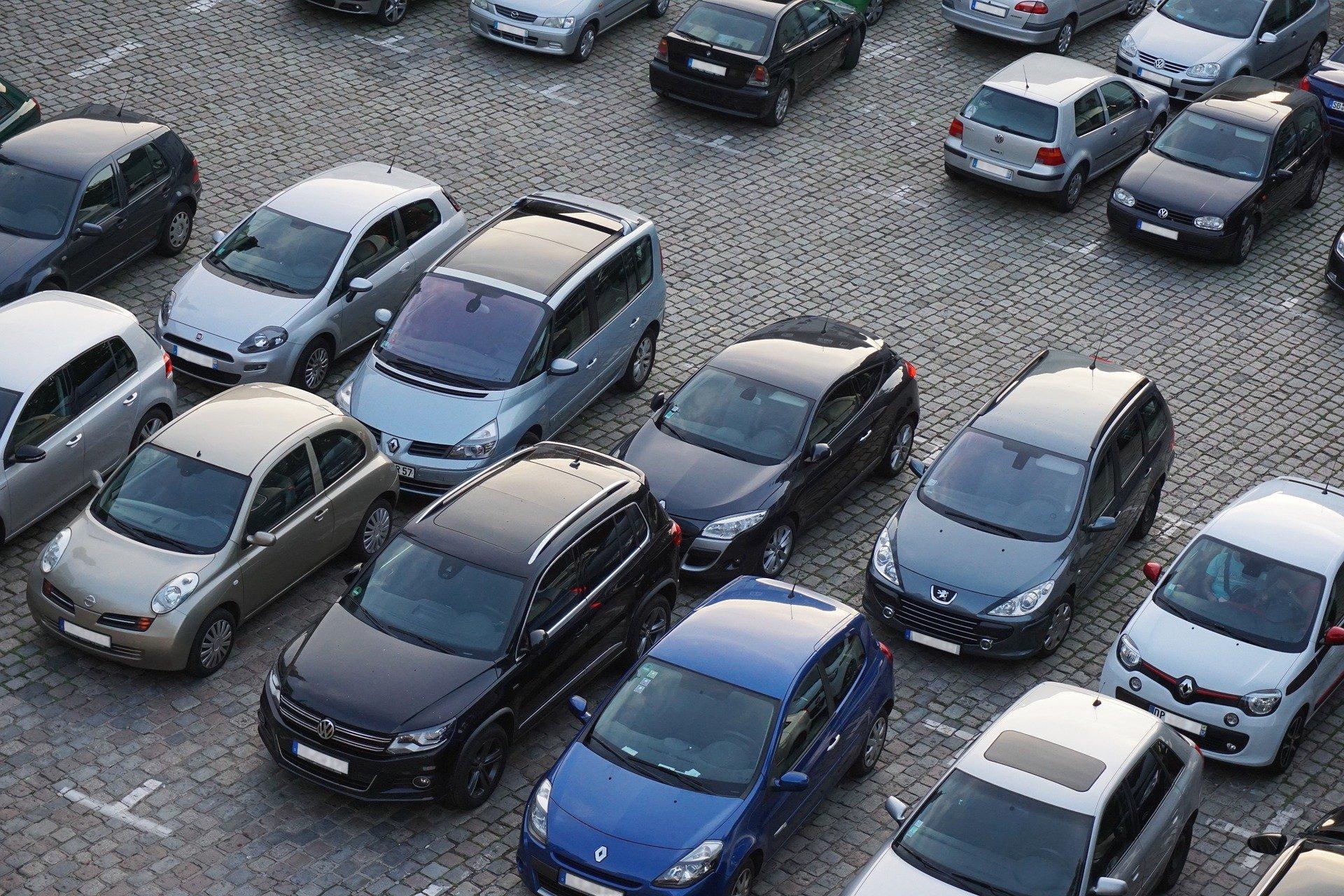 parking 825371 1920 - Handyparken